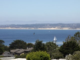 Peaceful, Wonderful Ocen Veiws, walk to canny row, Pacific Grove