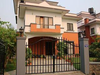 Das Ferienhaus mit schönem Garten ist geräumig und liebevoll ausgestattet.