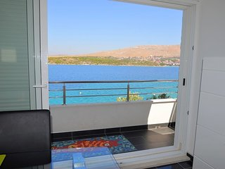 004, New apartment,directly on sea, Grebastica