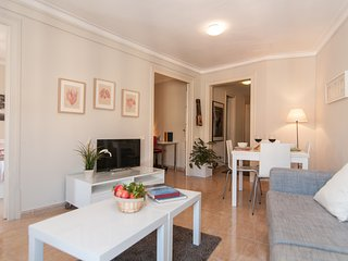 Cozy Apartment in S.Antoni Market, Barcelona