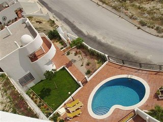 Peaceful villa with swimming pool, Villajoyosa