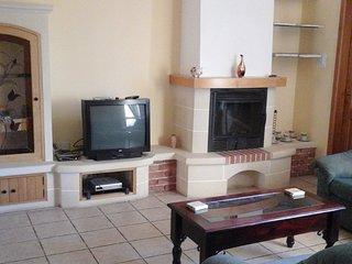 Central - Spacious comfortable bedroom - FREE WIFI, Haz-Zebbug