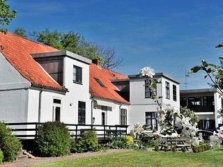 Provstegaarden Bed & Breakfast - Apartment N6, Hovedgaard