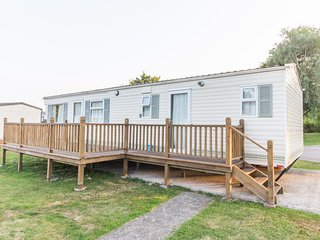 Ref 60213 Carlton Meres country park 6 berth caravan with decking., Saxmundham