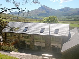 Ty Gwair - modern cottage on the slopes of Snowdon