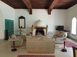 Heavenly oasis, luxurious villa, 5 mins donwntown, Marrakech