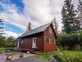 Secluded Seward Home: Patio, 2 Mi to Kenai Fjords!