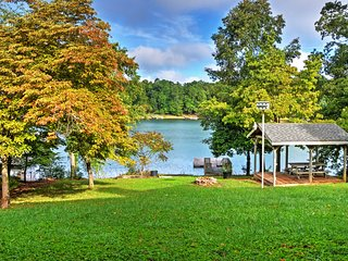 NEW! 4BR Hayesville House w/Serene Lake Views!