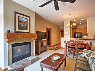 NEW! 2BR Avon Condo at Mtn Base w/ Hot Tub & Pool!