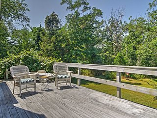 NEW! Bright 3BR East Hampton House w/Ocean Views!