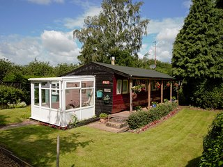 Victorian Railway Carriage | Private Garden | Field