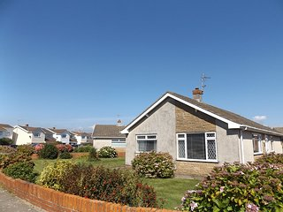 Well Equipped Three Bed Bungalow, Porthcawl