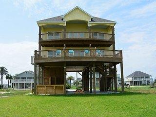 4 Bedroom, 3 Bath Vacation Home, Crystal Beach, Texas