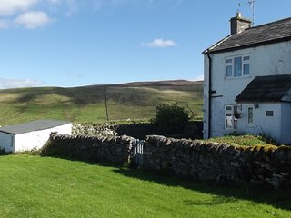 Romantic ,cosy, private cottage,secluded peaseful ...out in the sticks