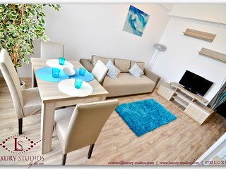 SUMMERLAND LUXURY SAINT-TROPEZ STUDIO by the sea, Mamaia