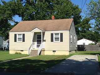 2 Bedroom Affordable, Comfortable, Getaway House, Hampton