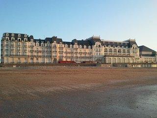Beau 2 Pieces vue mer dans Resid du Grand Hotel