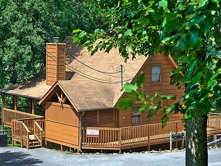 Rustic Villa Country Pines Resort (2), Sevierville