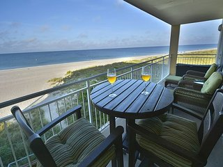 Two Bedroom, Two Bath Gulf front Luxury condo., Madeira Beach