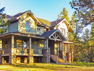 New Listing! 'Tall Pines Lake House' Dazzling 3BR Red Feather Lakes House w/Large Wraparound Deck & Gorgeous Alpine Views - Amazing Lakefront Location! Complimentary Access to Resort Amenities!