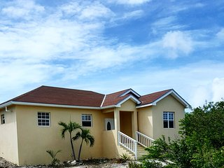 Peaceful and Secluded Villa, Providenciales