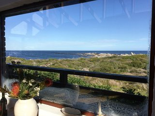 Thallassa - a cottage by the sea, Betty's Bay