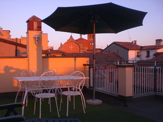 AtelierdiMarcella penthouse on the old rooftops, Bologne