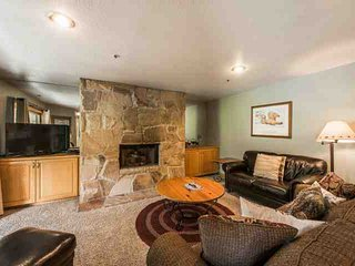 All Seasons 2 Bedroom Park City Condo