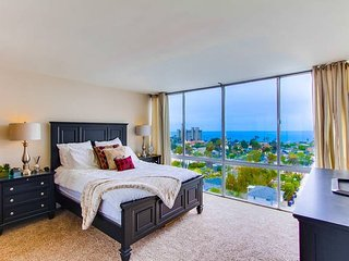 9th Floor Ocean View Penthouse, San Diego