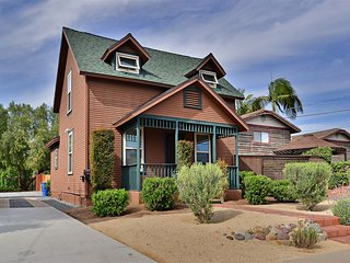 Victorian Home near all San Diego has to offer