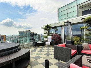 Chic & Luxurious Penthouse w/ Spectacular Views!, Vancouver