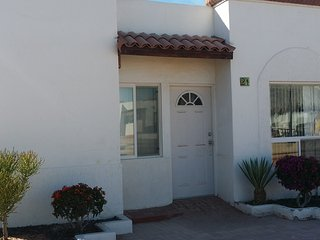 Gated Community 2bd POOL WiFi/Cable 2car garage, Puerto Penasco