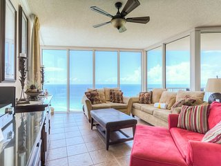 Upscale 3 Bedroom with Fantastic Waterfront View, Panama City Beach