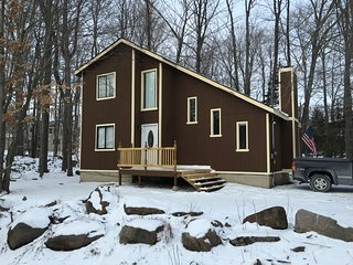 Beautiful Winter Retreat in the scenic Pocono Mountains