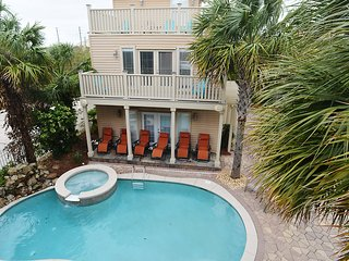 2 Houses Private Custom Pool 45sec walk to beach