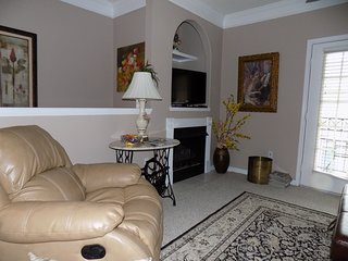 Nicely furnished 1 bedroom at Legecy Villa's, Gulfport