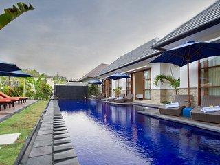 M2 Villa - 5 Bedrooms - Seminyak