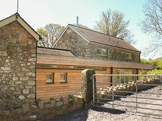 Too Hoots  Detached Barn Conversion near Lligwy, Moelfre
