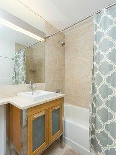 Spectacular 1 Bedroom w/ Bed in Office, 1 Bathroom Condominium in Financial District, New York City