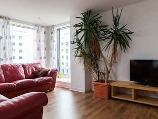 FABBY 2 BED WITH WIFI AND PARKING 5.12, Edimburgo