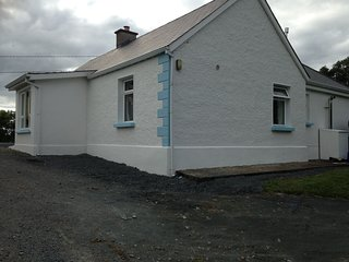 Hilltop Cottage Self catering rustic farm house, Killeshandra