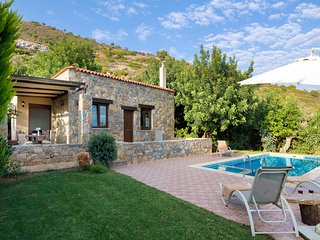 private Villa & hotel service,mountain,beach,villages,cities PURE CRETE