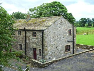 DALES VALLEY VIEW COTTAGE, semi-detached, pet-friendly, private garden, off