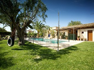 3 bedroom Villa in Cala Mendia, Mallorca : ref 4478