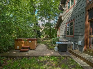 Mountaintop home close to Wisp with multiple master suites!