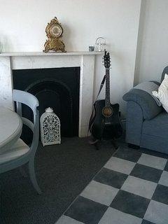 Siting room with super comfy sofa