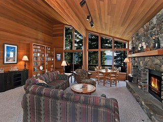 Amazing LAKE VISTA Home in Dollar Point - 4 BR and 3 Living Rooms - Sleeps 11, Tahoe City