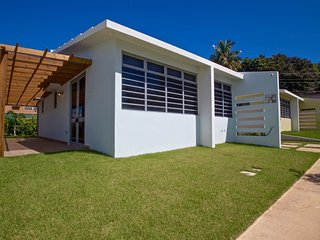 Rincón Beachside Villa for 6 Sundeck & Many Extras, Rincon