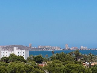 Beautiful 2 bed penthouse apartment- amazing views