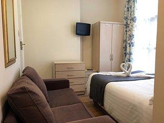Beutifully Decorated 5 Bedroom 5.5 Bathroom Home 4719TERRA ~ RA86213, Davenport